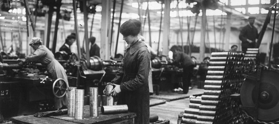 Female workers at a British munitions factory, World War I.